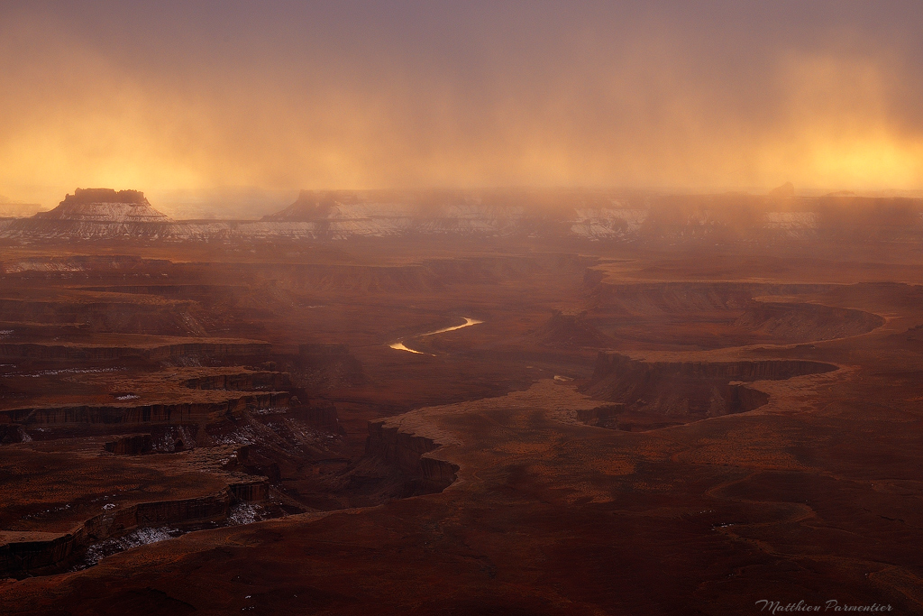 Western-USA-Canyonlands-The-burning-storm